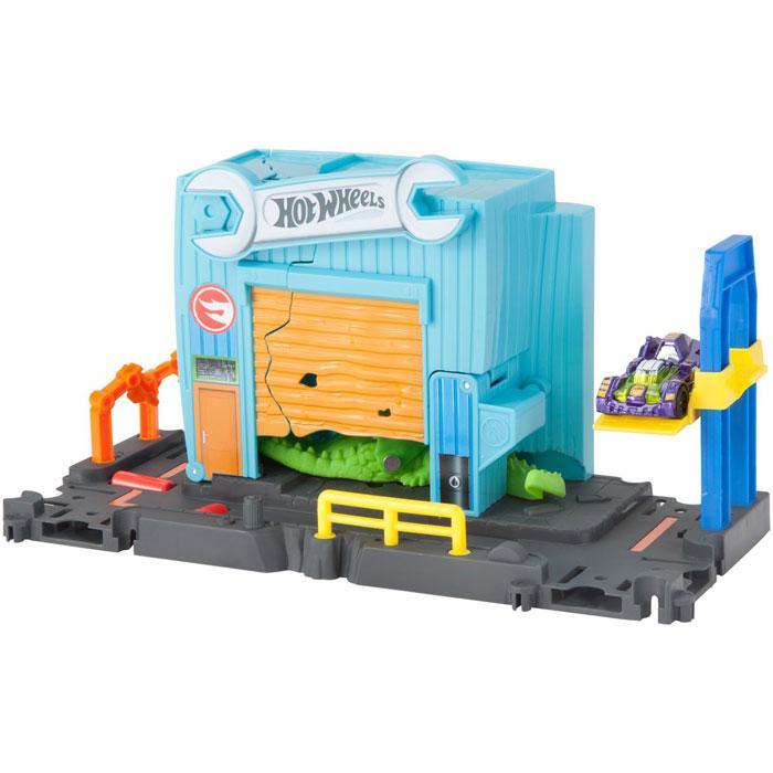 Mattel Hot Wheels Сити Игровой набор с монстрами-злодеями FNB05/FNB06 Атака аллигатора в гараже