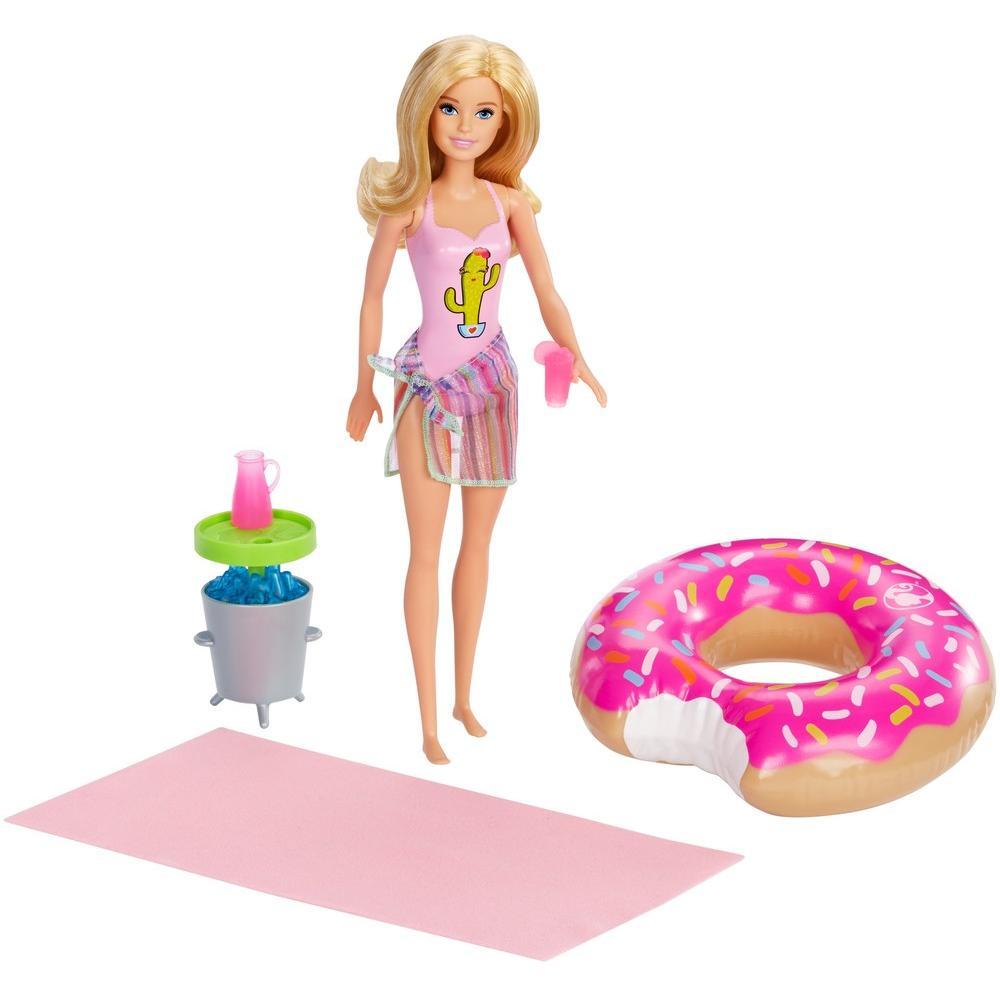 Фото - Mattel Barbie Семья Вечеринка в бассейне кукла с аксессуарами Блондинка GHT20 кукла mattel barbie скиппер няня в клетчатой юбке с малышом и аксессуарами grp11